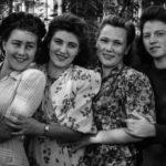 Подруги: Вера Балычева, Лариса ..., Шура Ферафонтова, Маша Вдовина